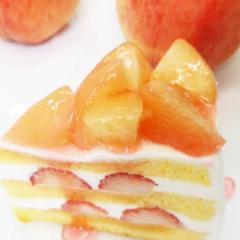 桃と苺のショートケーキ