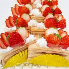 苺のミルクレープ