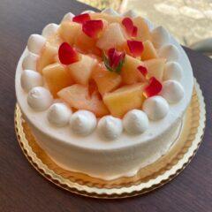 苺と桃のデコレーション